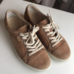 Ecco Soft Leather Lace-up Sneakers